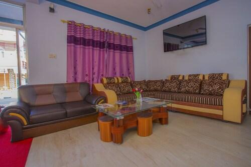 OYO 227 Hotel Moonstone Inn, Gandaki