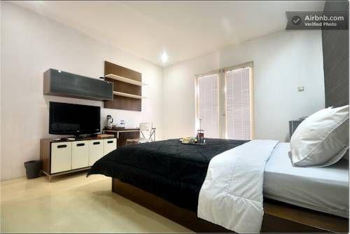 Flat06. Minimalist Residence, Jakarta Selatan