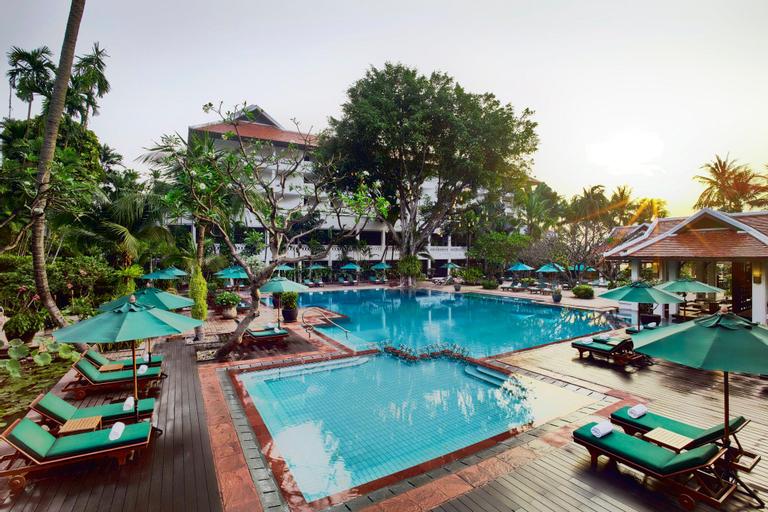 Anantara Riverside Bangkok Resort, Khlong San