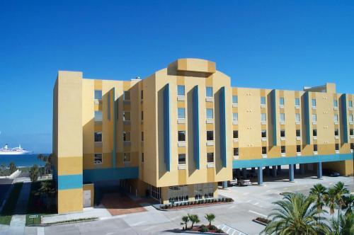 Cocoa Beach Suites Hotel, Brevard