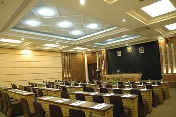 Riyadi Palace Hotel, Solo