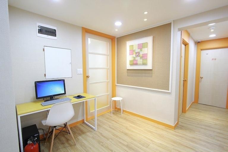 Cocoon stay Hongdae Guesthouse, Seodaemun