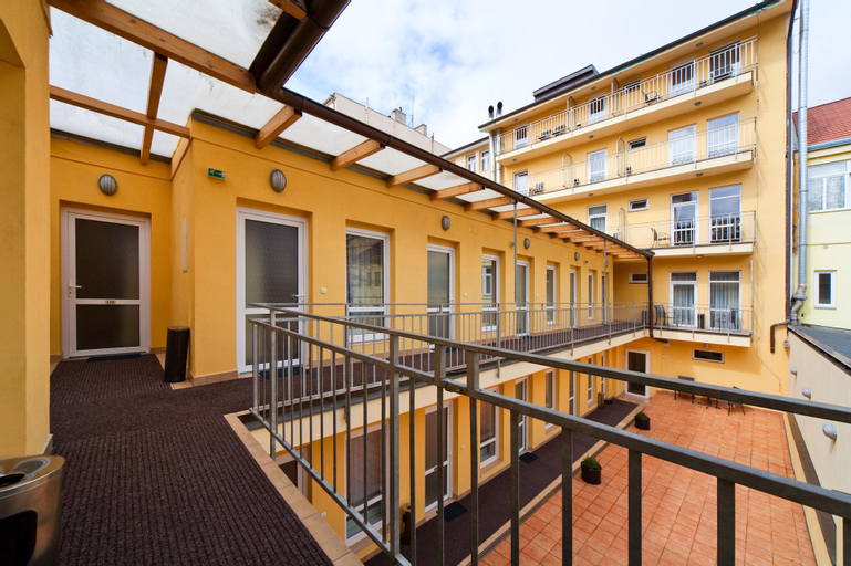 Hotel Seifert, Praha 8