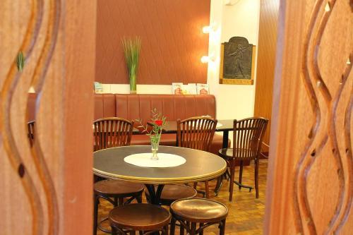 Hotel Marignan, Paris