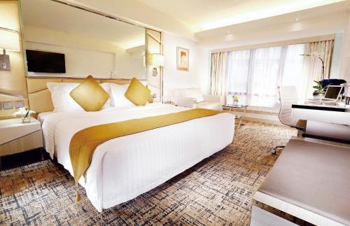 Regal Oriental Hotel, Kowloon City