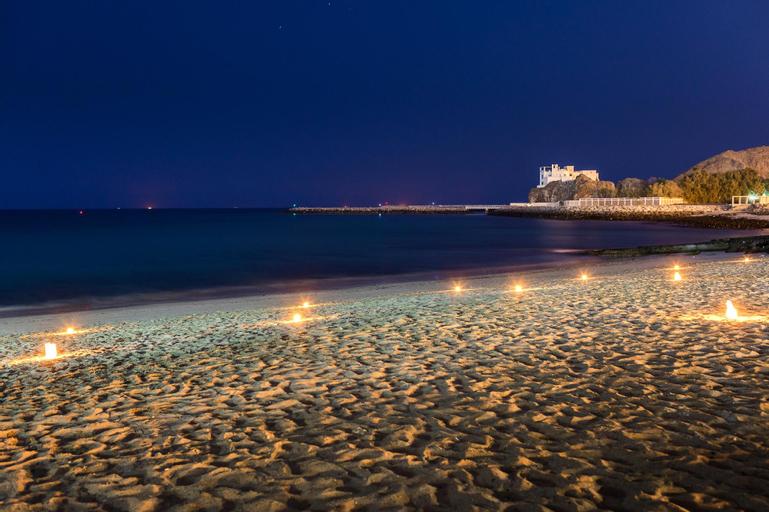 Royal Beach Hotel & Resort,