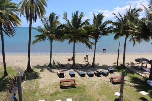 Tropic of Capricorn Hotel, Ba