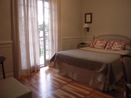 Free Breakfast & City Center Hotel Alcazar Irun - Open 24 7 - PPWF, Guipúzcoa