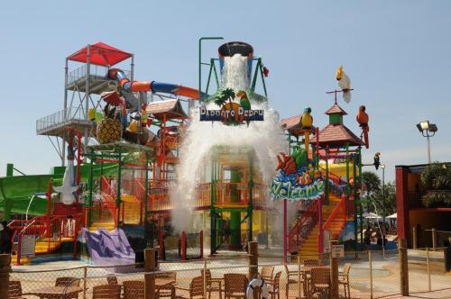 Coco Key Hotel and Water Park Resort, Orange