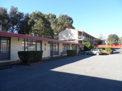 Liberty Plains Motor Inn, Auburn