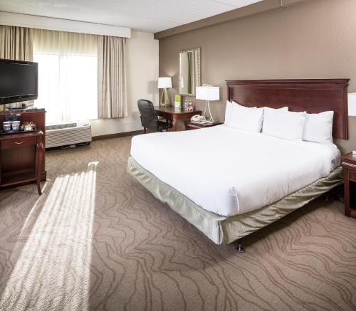 DoubleTree by Hilton Hotel Boston - Milford, Worcester
