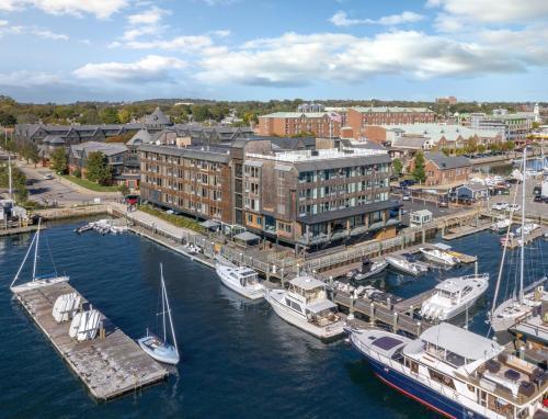 Wyndham Inn on Long Wharf, Newport