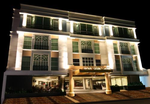 Crown Regency Hotel Makati, Makati City