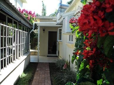 Monalysa Villa,