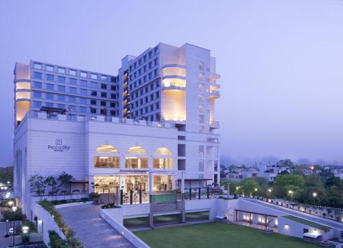 The Piccadily Hotel New Delhi, West