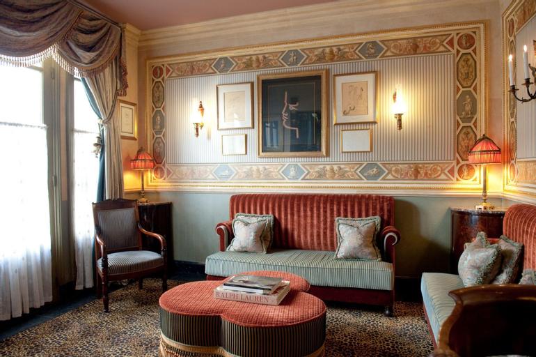 L Hotel Paris, Paris