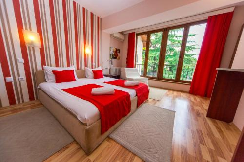 Hotel Pine,