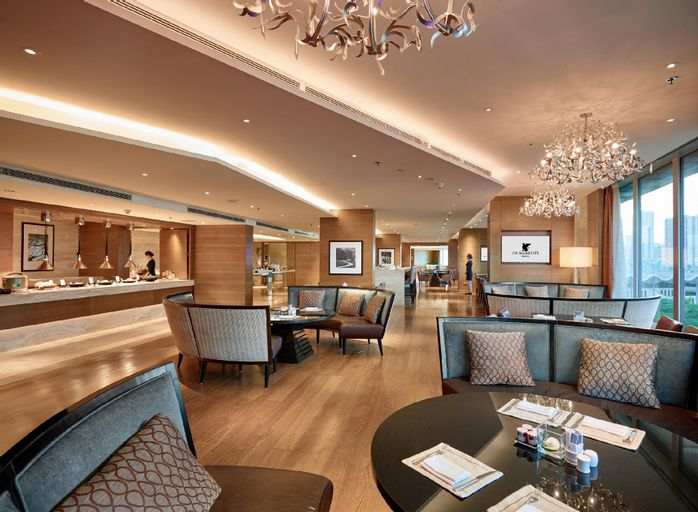 JW Marriott Hotel Hanoi, Từ Liêm