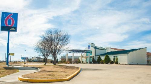 Motel 6-Corsicana, TX, Navarro