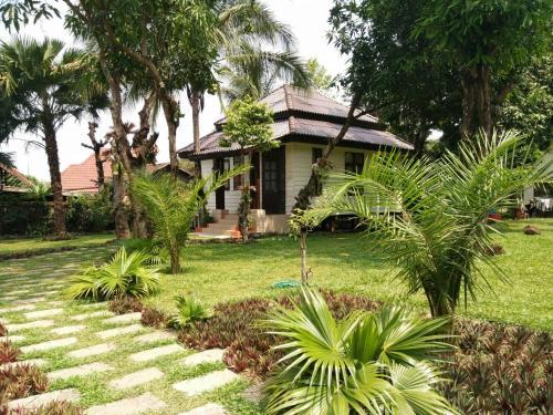 Villa Thakhek, Thakhek
