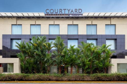 Courtyard Kochi Airport, Ernakulam