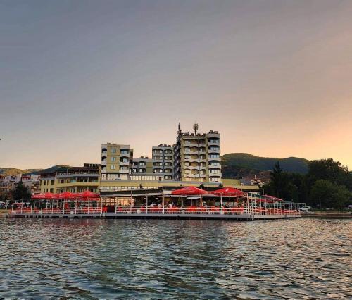 Hotel Enkelana, Pogradecit