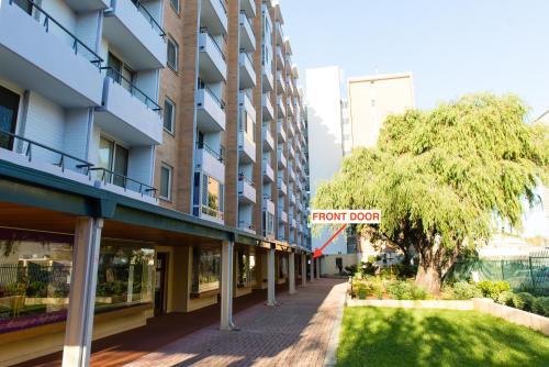 City Retreat on Adelaide, Fremantle