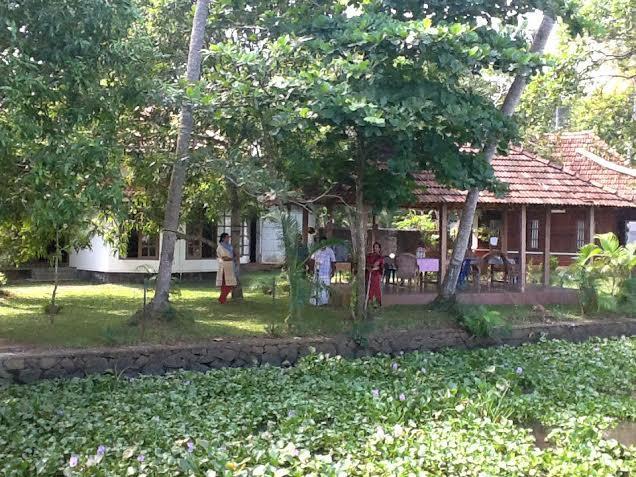 Lovedale Lakeside Homestay, Alappuzha
