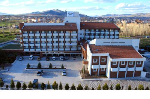 Grand Terme Hotel, Merkez