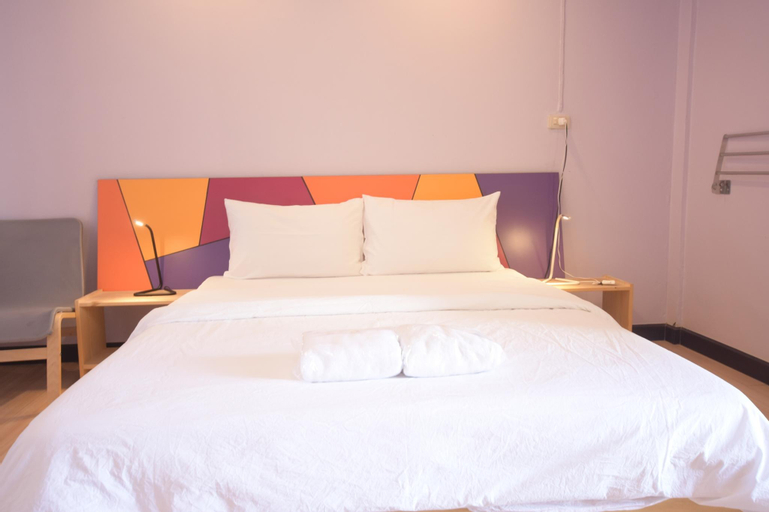 Room @ Vipa Guest House, Chatuchak