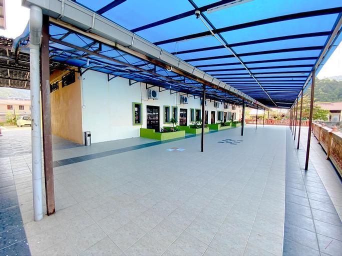 Sportfishing Hotel, Barat Daya