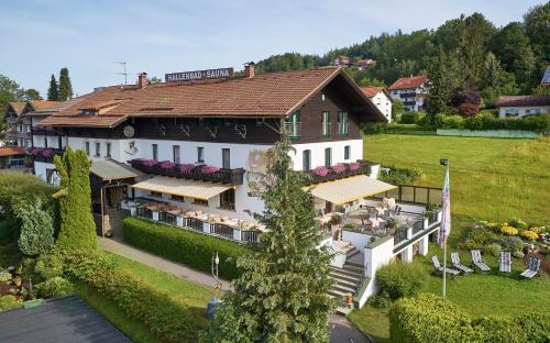 Ferienhotel Hubertus, Regen
