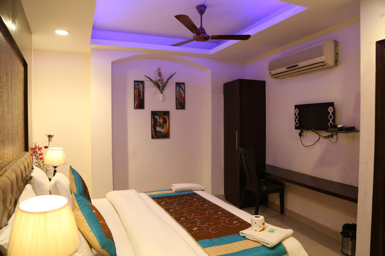 Hotel Arjun, West