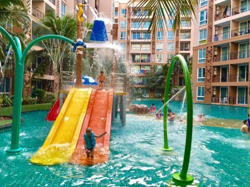 Atlantis Condo Resort Pattaya by Panissara, Pattaya