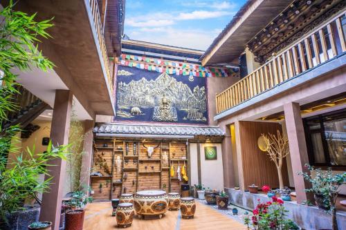 Blossom Dynasty Inn, Dêqên Tibetan