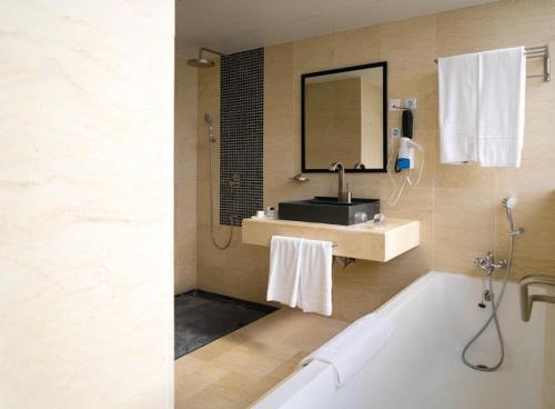 Hotel Adef, Oran