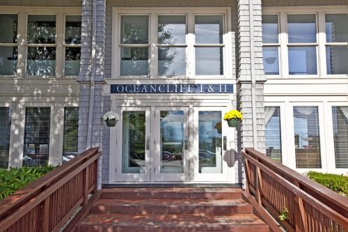 Oceancliff I & II by VRI Resort, Newport