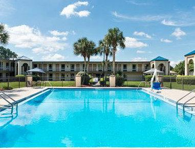 Travelodge Inn & Suites by Wyndham Jacksonville Airport, Duval