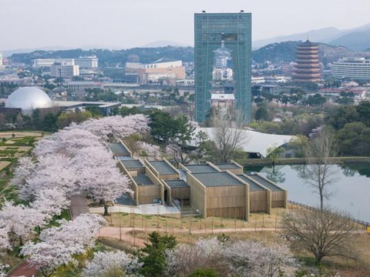 Potato Motel, Gyeongju