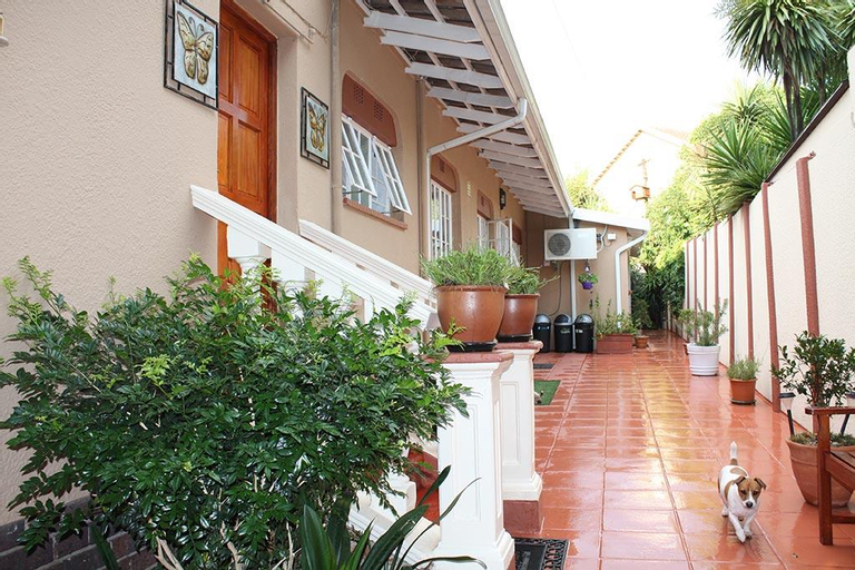 Villa Stella Bed & Breakfast, Ekurhuleni