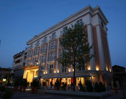 Hotel Hymeti's Palace, Pogradecit