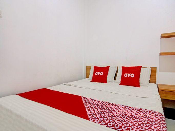 OYO 90432 Family Residence, South Jakarta