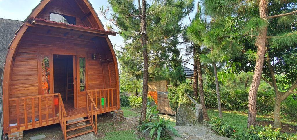 Saung Orange Village, Bogor