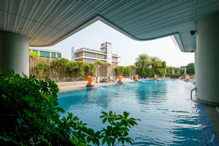 Viva Garden Serviced Residence, Prakanong