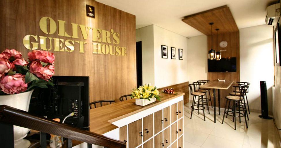 Oliver s Guest House, Tangerang Selatan
