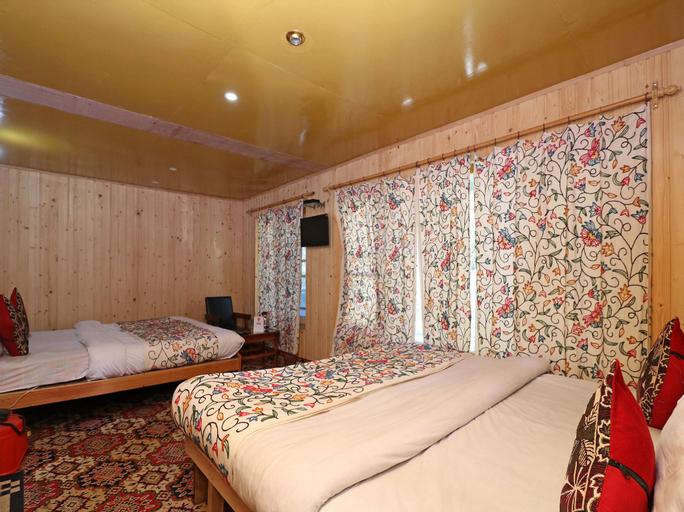 OYO 18990 Hotel Bright Palace, Anantnag