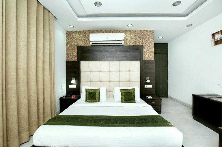 OYO 5121 Hotel Ocean, Sahibzada Ajit Singh Nagar