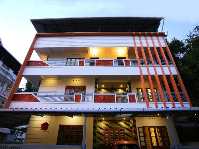 OYO 35608 Elegant Stay Near Lulu Mall, Ernakulam