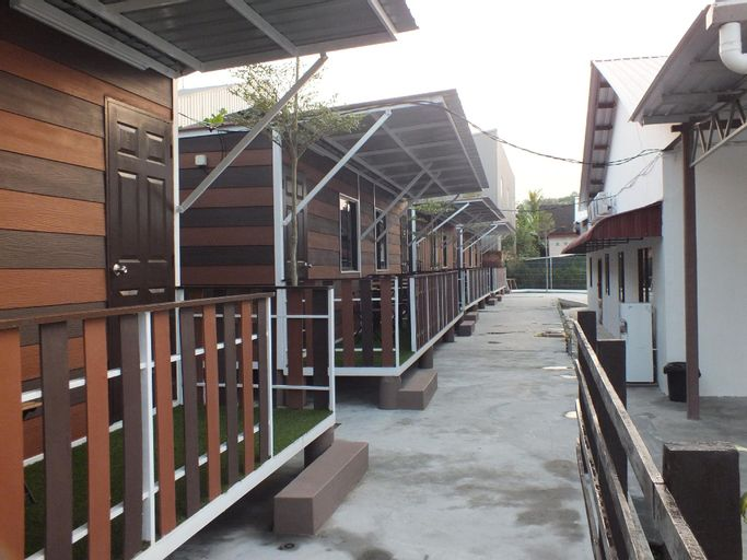 NATURE PLANET HOUSE, Keluang
