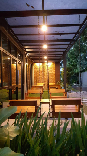 canvas family home, Muang Trat